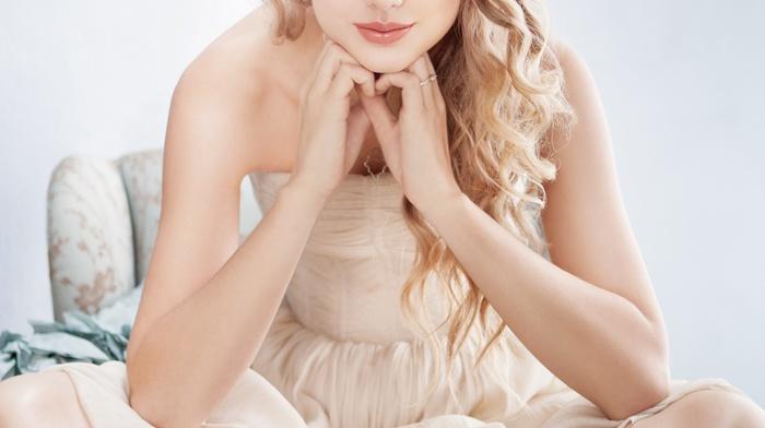 legs crossed, looking at viewer, singer, barefoot, toes, Taylor Swift, girl, blue eyes, blonde