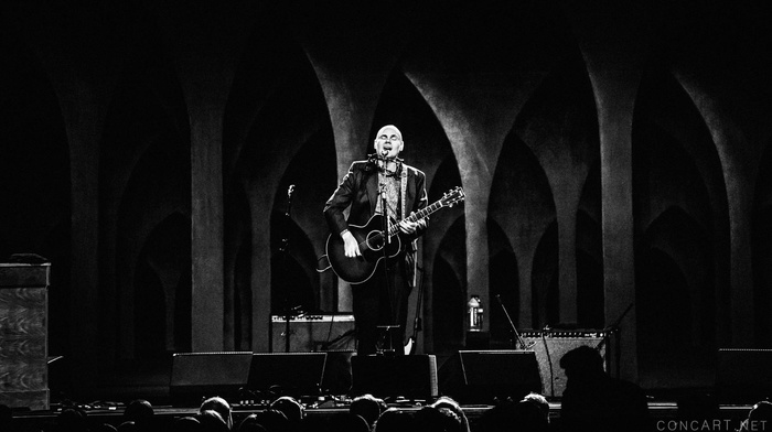Indianapolis, arch, stages, monochrome, USA, Billy Corgan, Smashing Pumpkins, singer, concert hall, concerts, guitar, speakers, men, crowds, musician