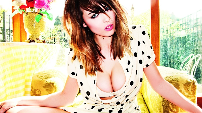 looking at viewer, Danielle Sharp, cleavage, big boobs, blue eyes, brunette, polka dots, girl