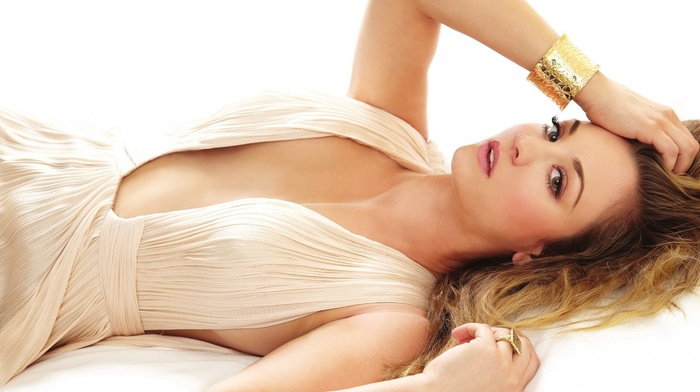 girl, cleavage, Kaley Cuoco, blonde, no bra, actress