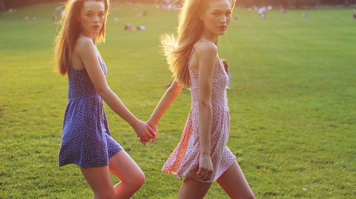 holding hands, twins, girl