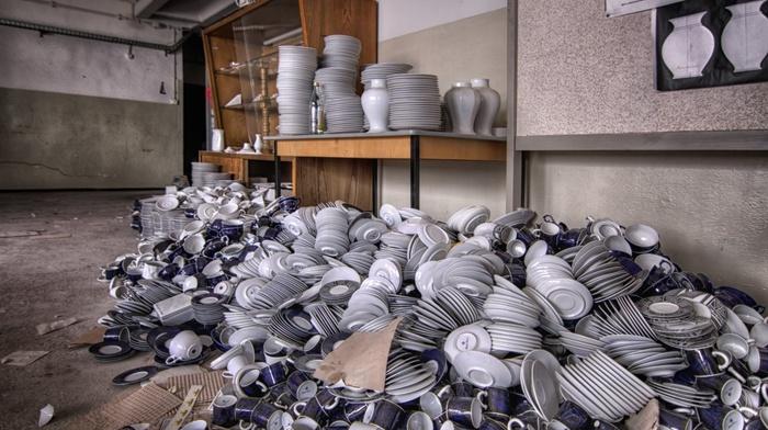 room, cutlery, workshops, vases, interior, mugs, plates