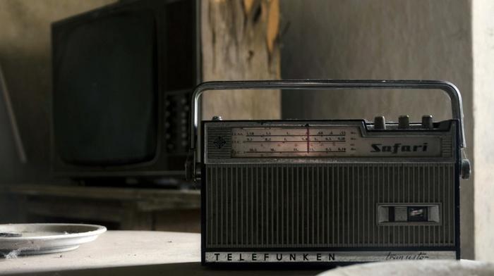 radio, dust, table, old, television sets, vintage, plates, abandoned