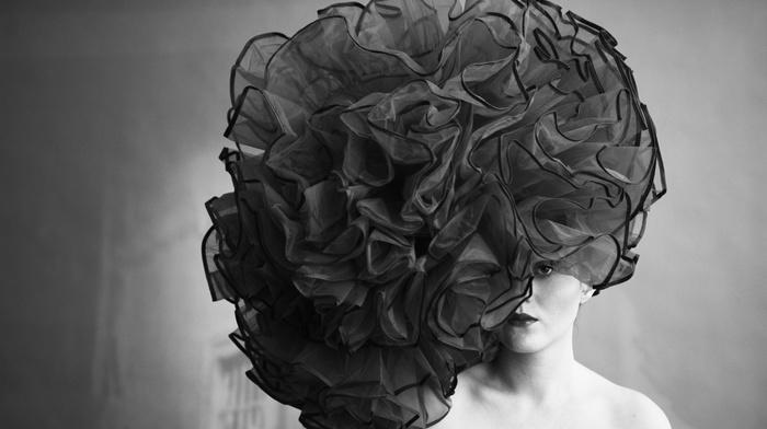 flowers, portrait, bare shoulders, monochrome, girl, hat, lips, fashion, vintage