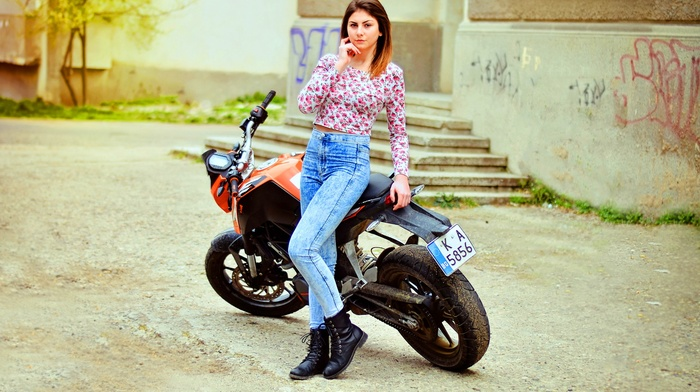 jeans, hand on face, girl outdoors, motorcycle, girl, vehicle, KTM, model, girl with bikes