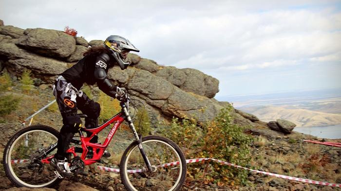 mountain bikes, helmet, sports, Downhill mountain biking, vehicle, sport, girl