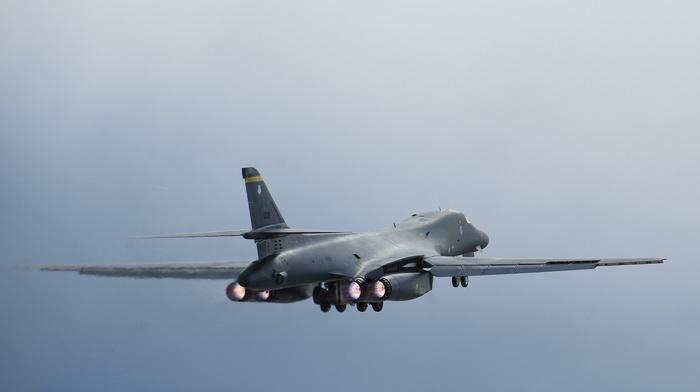 aircraft, Rockwell B, 1 Lancer, military
