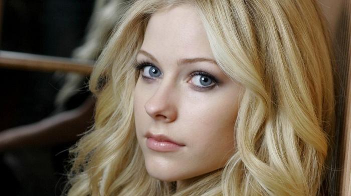 Avril Lavigne, singer, celebrity, eyes, lips, girl, blonde