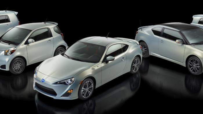 Scion iQ, multiple display, Scion xB, vehicle, car, reflection, simple background, Scion tC, dual monitors, Scion, Scion FR, S, Scion xD