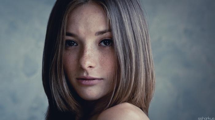 freckles, straight hair, girl, closeup, face, looking at viewer, brunette, Olga Kobzar