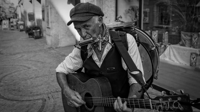 street music, old people, monochrome