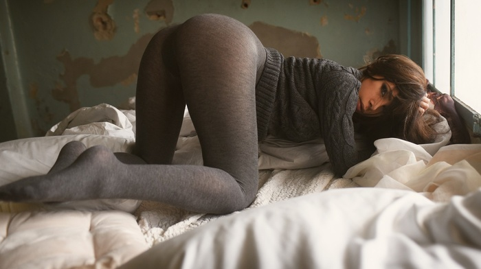 girl, brunette, ass, looking at viewer, bent over, pillow, pantyhose, in bed, window, leggings