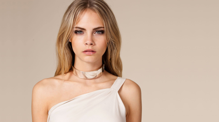 looking at viewer, girl, blonde, simple background, dress, necklace, fashion, Cara Delevingne, model