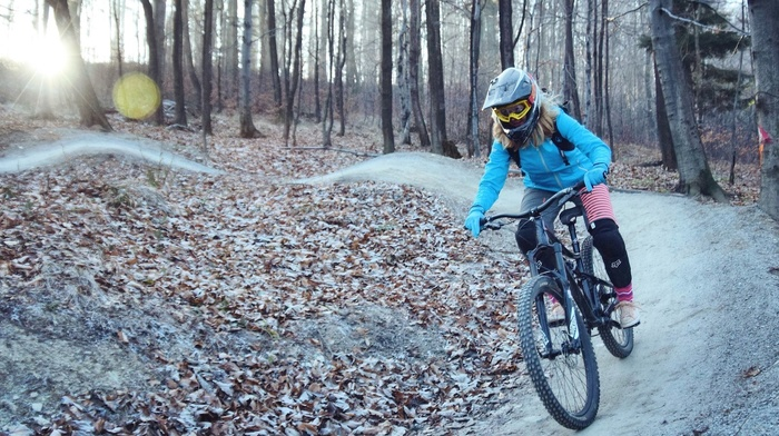 helmet, mountain bikes, bicycle, girl with bikes