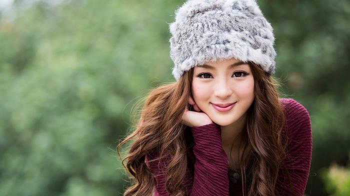 millinery, Jancy Wong, looking at viewer, smiling, Asian, long hair, brown eyes, girl, curly hair, auburn hair