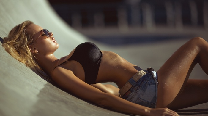 Olya Abramovich, girl with glasses, wet body, miss fiksa, girl, girl outdoors, black bras, sweat, water drops