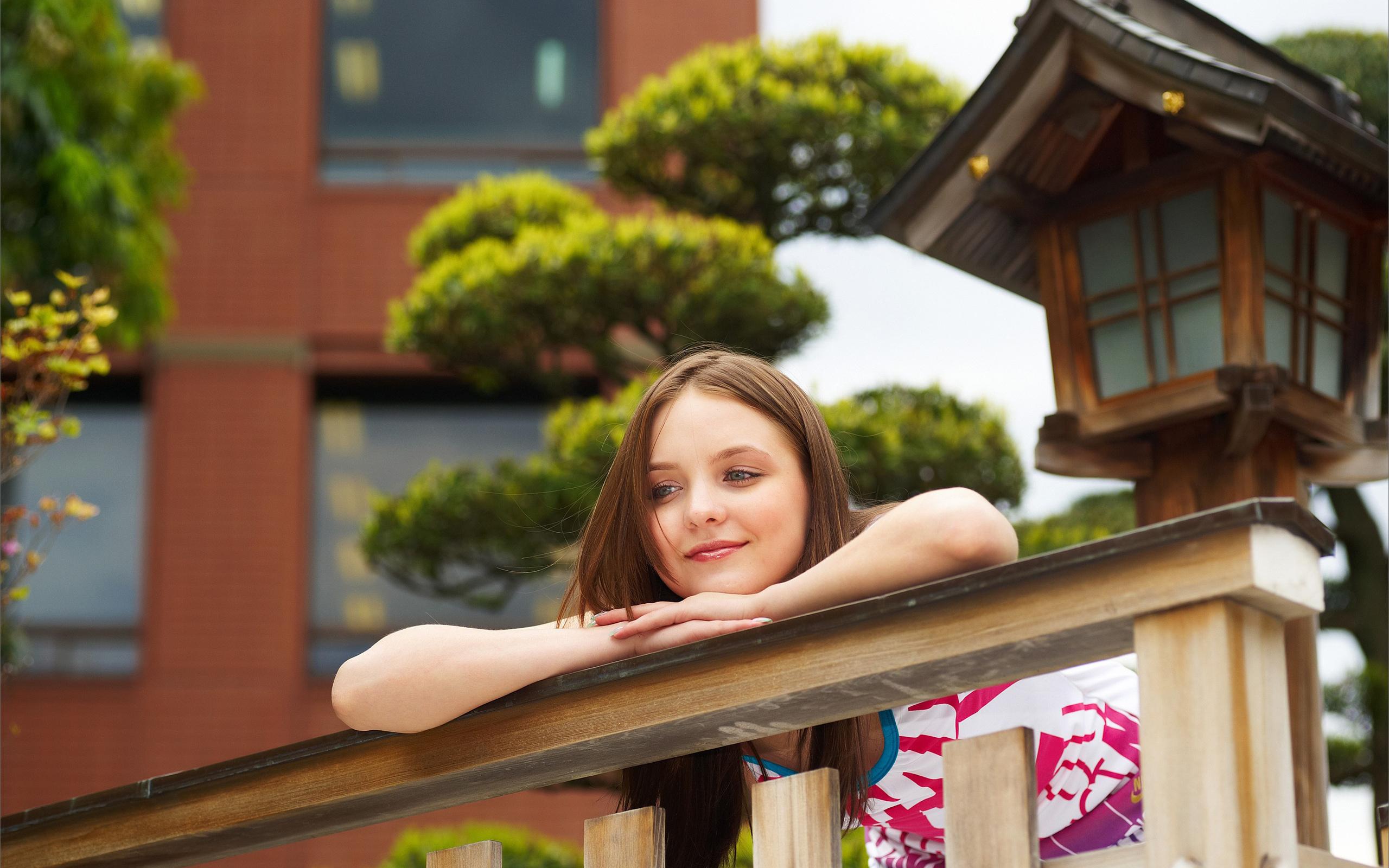 Балкон фото девушек