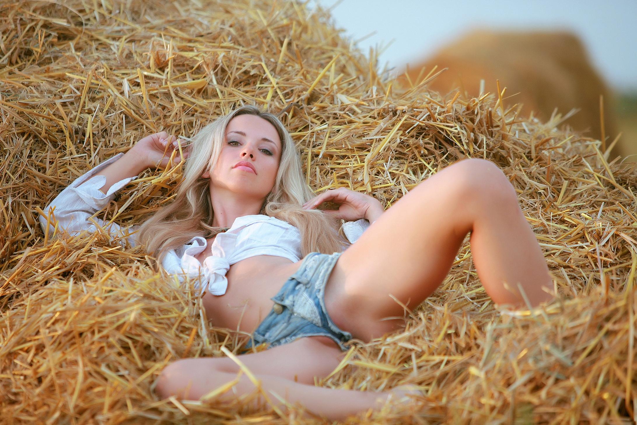 Смотреть блондиночки онлайн бесплатно 18 фотография