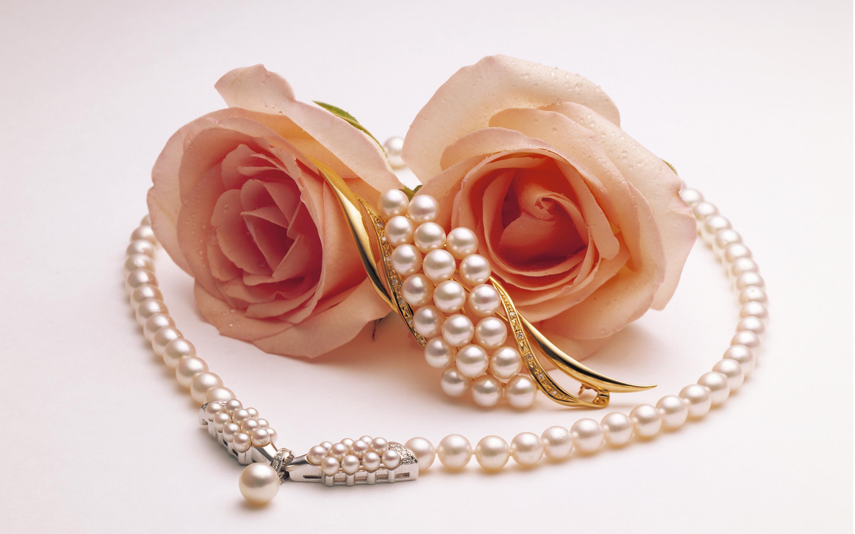 Фото цветка и украшений