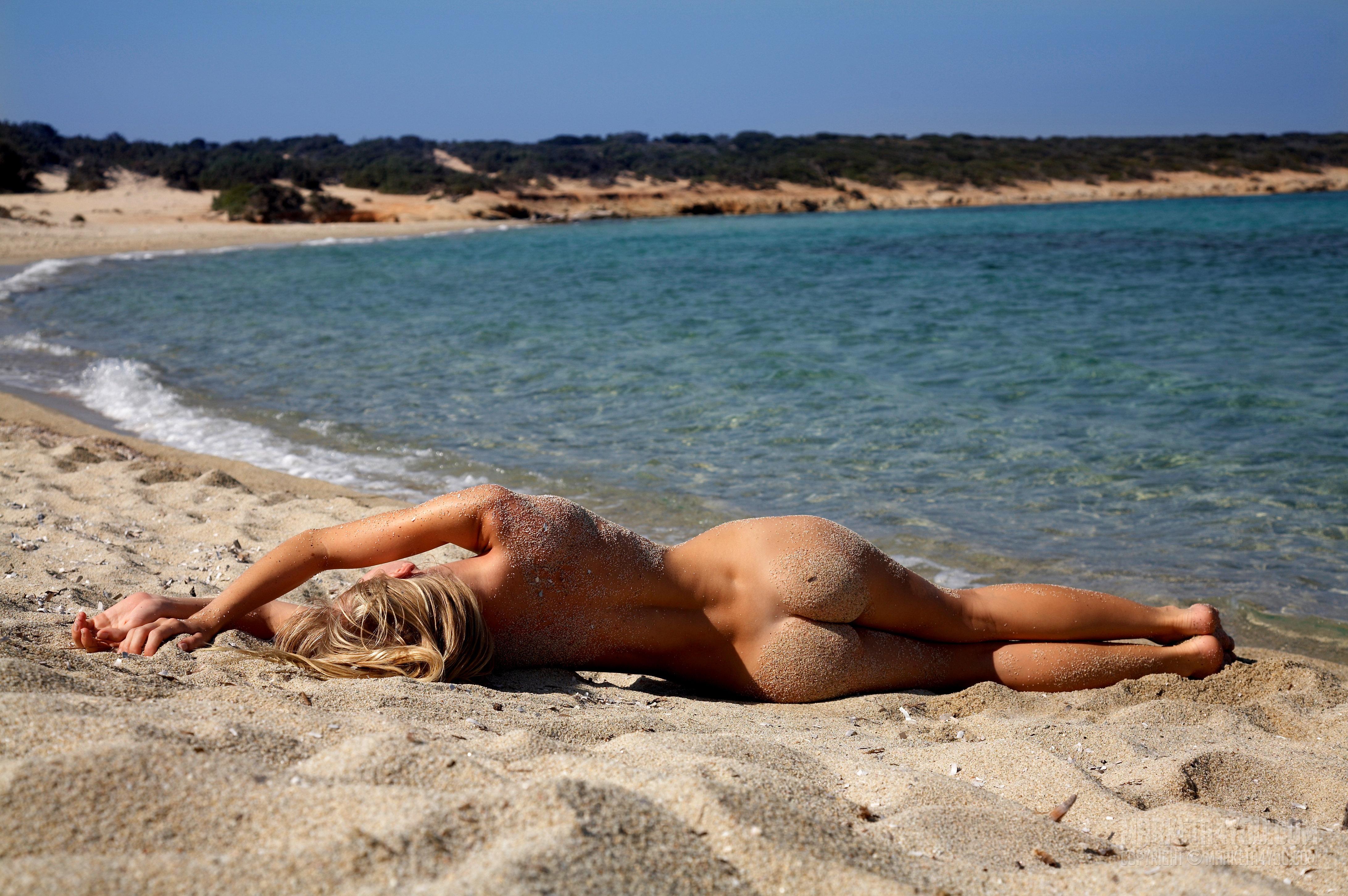 Эротика на пляжже 4 фотография