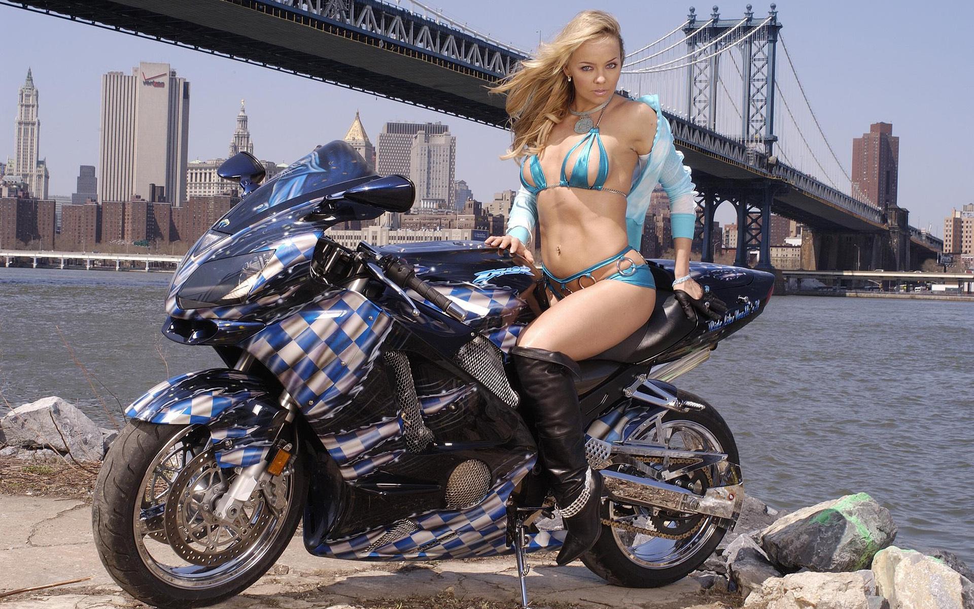 Мотоциклы девушки фото