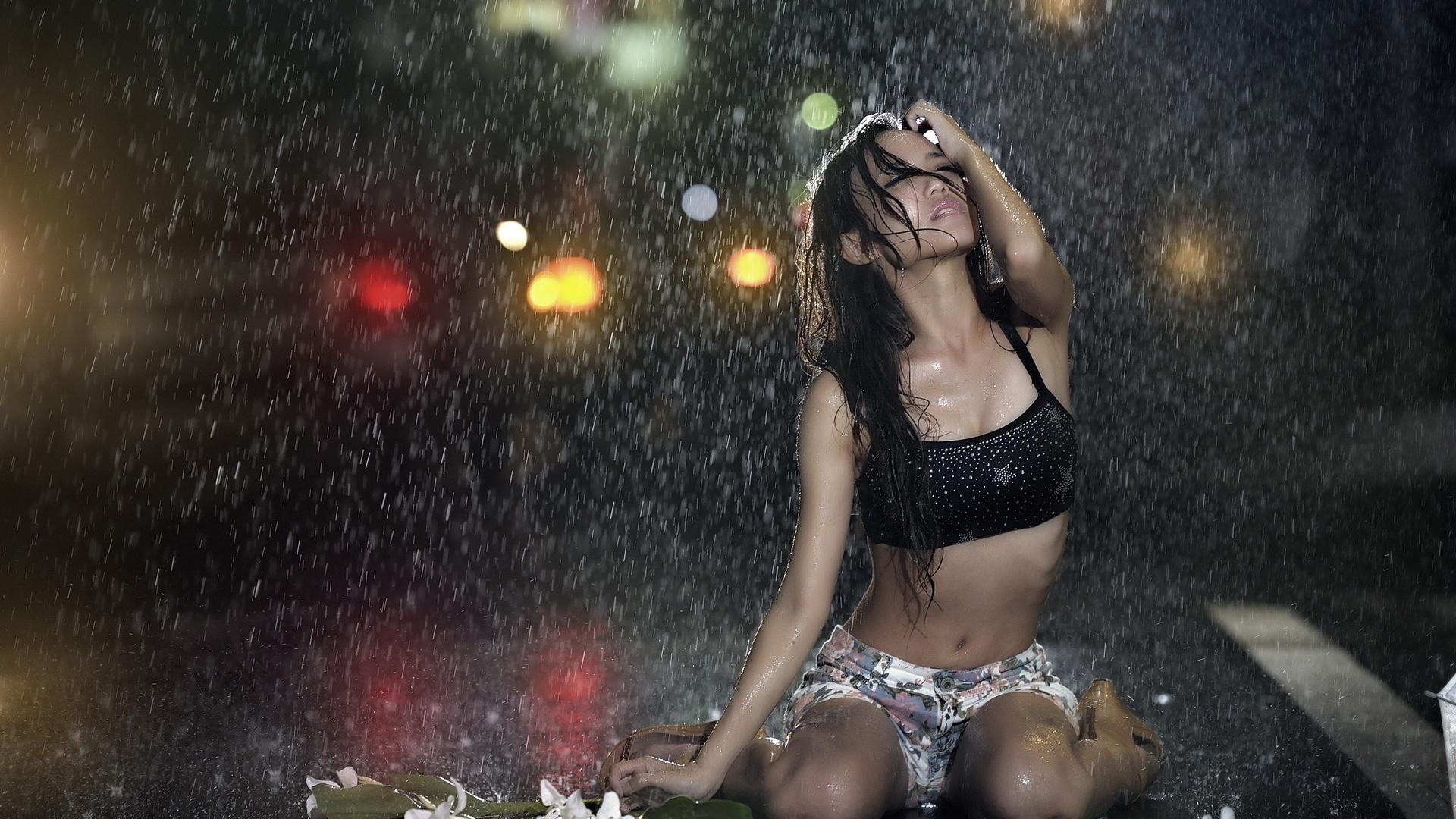 продать автомобиль девушка под дождём картинки сок это лучшее