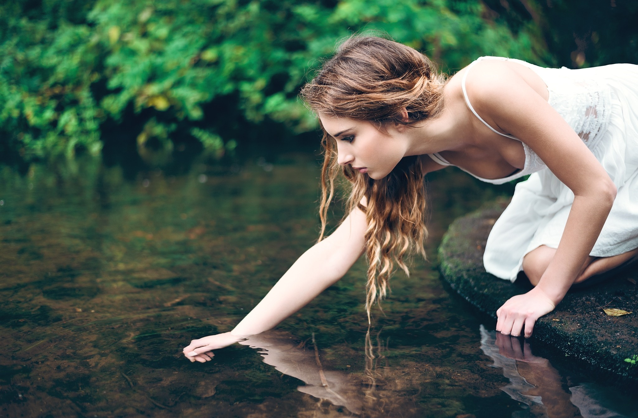 nezhnie-devushki-v-vode