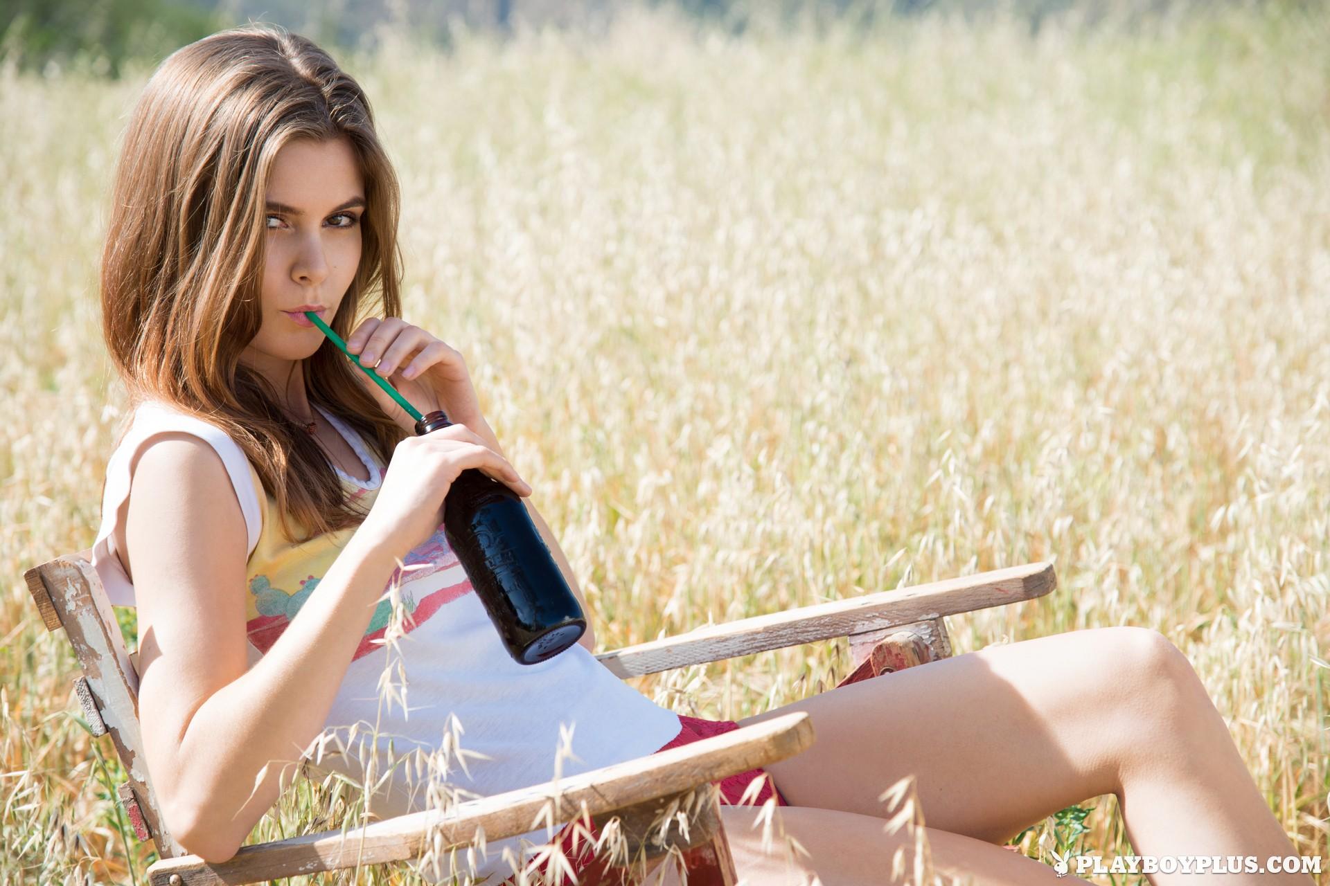 Amberleigh West, women, brunette, Playboy, outdoors, knee