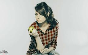 брюнетка, Эмма Стоун, рыжие, девушка, яблоки