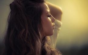 лицо, девушка, волнистые волосы, закрытые глаза, брюнетка