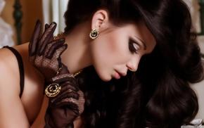 девушка, перчатки, ожерелье, брюнетка, темные волосы