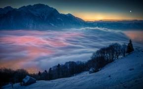 город, туман, снег, горы, закат