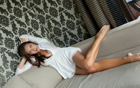 ножки, девушка, лежа на спине, босиком, расщепление