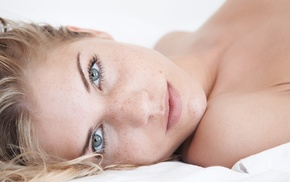 Iveta Vale, blonde, face, girl, lying down, freckles