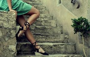 высокие каблуки, ножки, платье, девушка, лестница