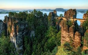 зелень, красота, мост, небо, скалы, деревья