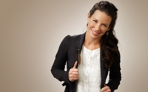white tops, jacket, Evangeline Lilly, leaves