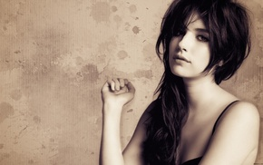 brunette, girl, portrait, Emma Roberts