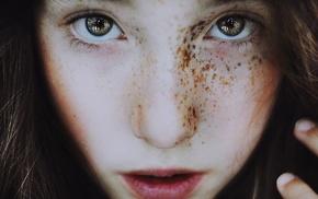 девушка, крупным планом, глаза, веснушки