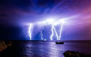 циклон, 400000 а, тучи, 1000000000 вольт, море, гроза