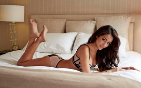 model, long hair, brunette, girl, in bed, Melanie Iglesias
