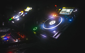 mixing consoles, turntables