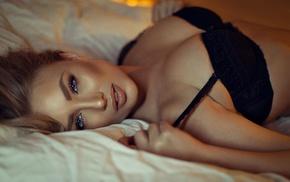 girl, juicy lips, in bed, model, blonde, black bras