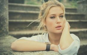 juicy lips, green eyes, model, girl, blonde, face