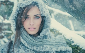 winter, looking at viewer, Sarah Allag, model, green eyes, girl