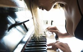 black bras, blonde, piano, depth of field, girl, juicy lips