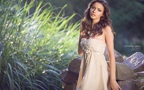 girl outdoors, brown eyes, girl, white clothing, model, curly hair