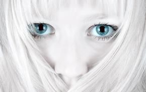 closeup, pale, white, dyed hair, blue eyes, bright