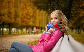 park, scarf, jeans, depth of field, fall, girl outdoors