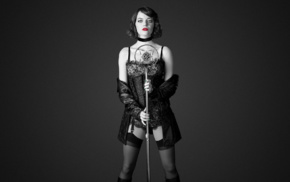 monochrome, Cabaret, Emma Stone